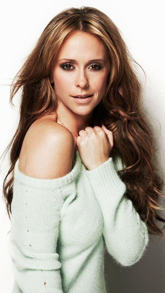 Beautiful Style Pisces - Jennifer Love Hewitt - simplysunsigns.com/