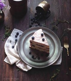 blueberry basil cake with blueberry-thyme mascarpone German buttercream :: une gamine dans la cuisine