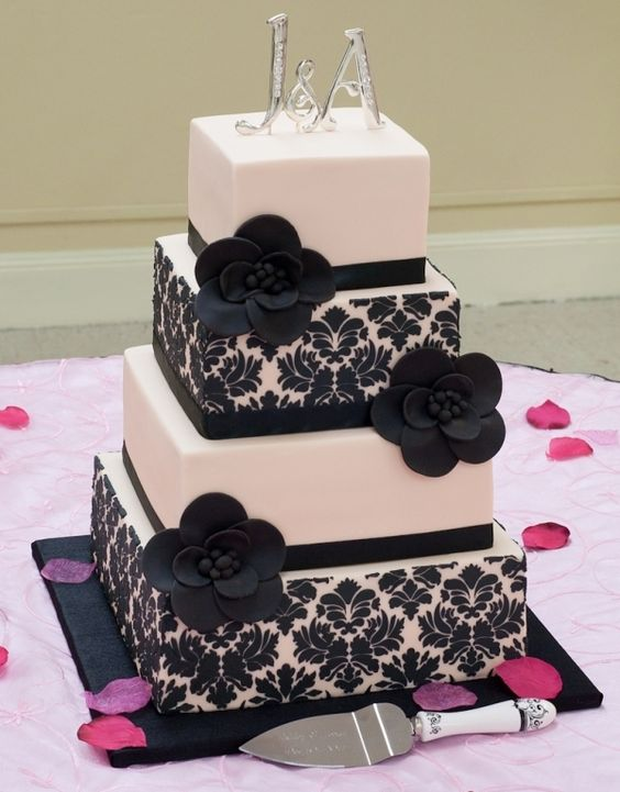 burgundy black and white wedding cake damasks damask wedding cakes and burgundy color on 12234