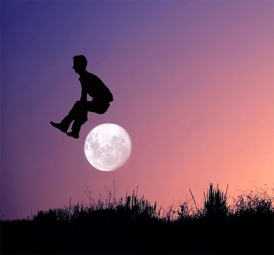 Creative Photographs Of A Person Playing With The Moon | ideaing