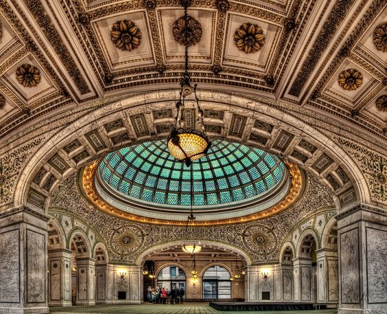Chicago Cultural Center : the world's largest Tiffany domed ceiling