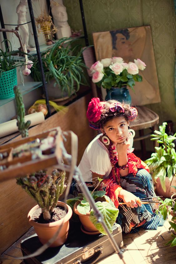 Frida Kahlo themed photography session by www.art-vision.us