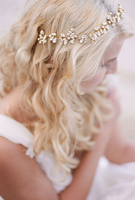 35 Wedding Hair Accessory Ideas for Every Kind of Bride | Brides