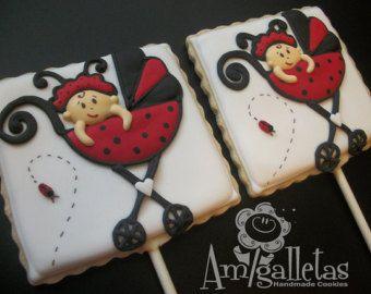 Ce serait formidable pour une douche de bébé ou un cadeau pour ce spécial maman-à-être !  Vous recevrez 12 biscuits décorés en conceptions montrées.