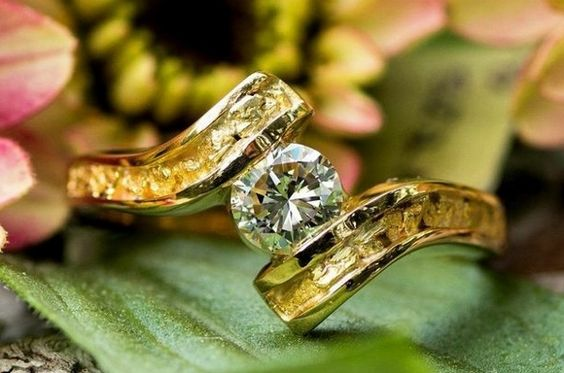 Women's Alaskan Gold Nugget and Diamond Solitaire Wedding Ring