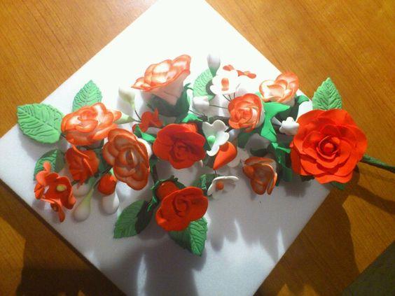 Ramo de rosas en pasta de azucar.