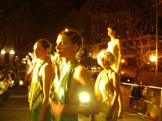 Foto de desfile de la colección SS 2004 Banderas.