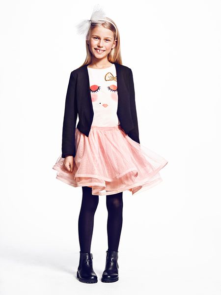Lovely outfit for fun & festive times, size 5-12 years.