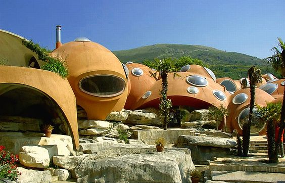 """The """"Maison Gaudet"""" bubble houses in the south of France are designed by Antti Lovag, an anti-conformist architect with no diploma who built this residence after an experimental model in 1969. Photo by Muracciole Jean-Marie"""