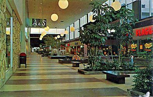 Walt Whitman Mall-Huntington-1962, via Flickr.
