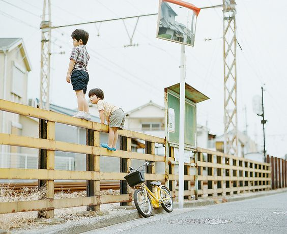 Hideaki Hamada is my most favorite photographer. His photograph reminds me of my childhood. http://instagram.com/hamadahideaki/
