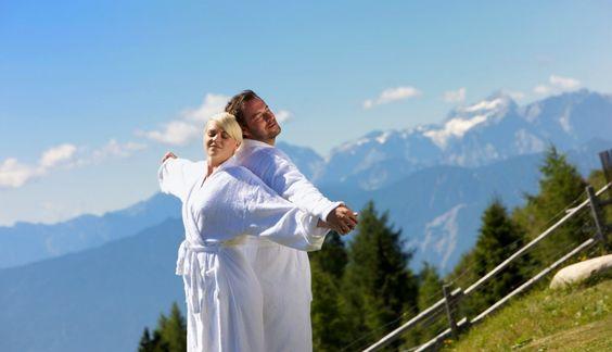 Auszeit zu zweit im MOUNTAIN RESORT FEUERBERG****  Wellness Hotel | Kärnten | Österreich. Zeit für einander haben und eine Balance zwischen passiver Entspannung und Aktivität zu finden. Am Feuerberg gibt es diese perfekte Kombination. Mehr unter www.leadingsparesort.com/web/de/resorts/angebotsdetails~angebot-5 #wellness #wellnesshotel #wellnesspauschale #resort #kärnten #leadingsparesorts #entspannen #package #hotel #contest #holiday #therme #pool #golf #spring #hicking  #leading #spa…