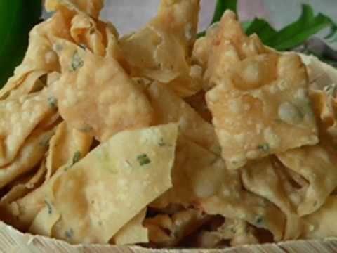 Mau Keripik Bawang Renyah Dan Gurih Inilah Resepnya Youtube Makanan Ringan Pedas Resep Keripik