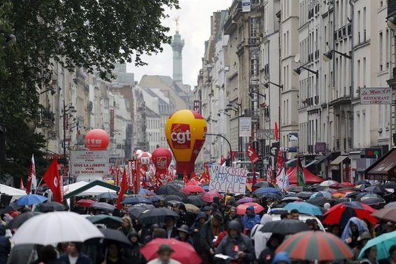 Los franceses se alzan el 1º de mayo contra la reforma laboral https://t.co/Y8RiTogXuE #economia