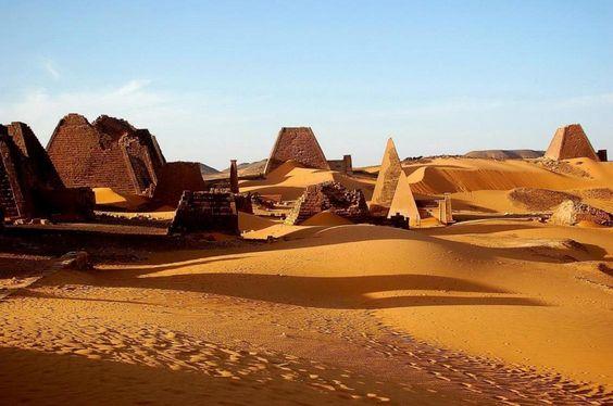 El Reino de los Faraones Negros - Club Marco Polo