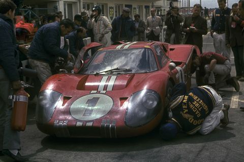 How Ford Beat Ferrari At Le Mans With Images Le Mans Ford