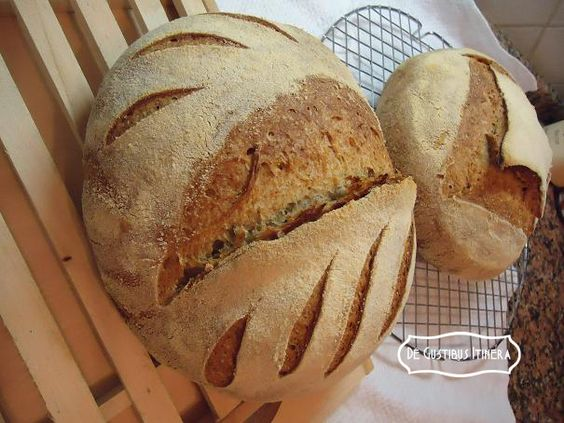 PANE SEMINTEGRALE CON SEGALE E FRUMENTO - WHOLEMEAL BREAD WITH RYE AND WHEAT