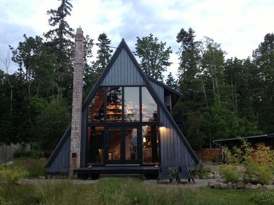 A-frame. Cabin by the sea.: