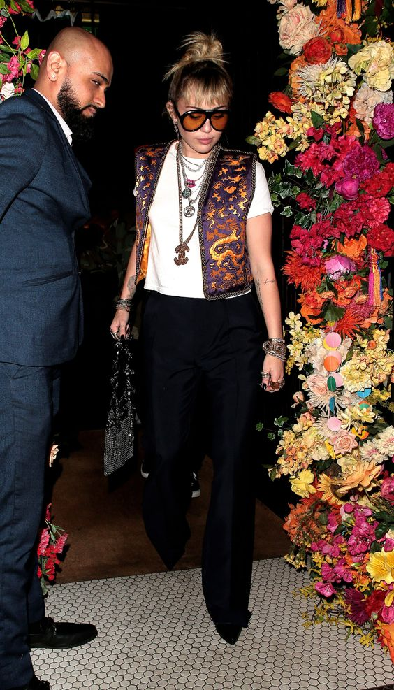 6 Miley Cyrus Vintage Style Looks To Copy RN