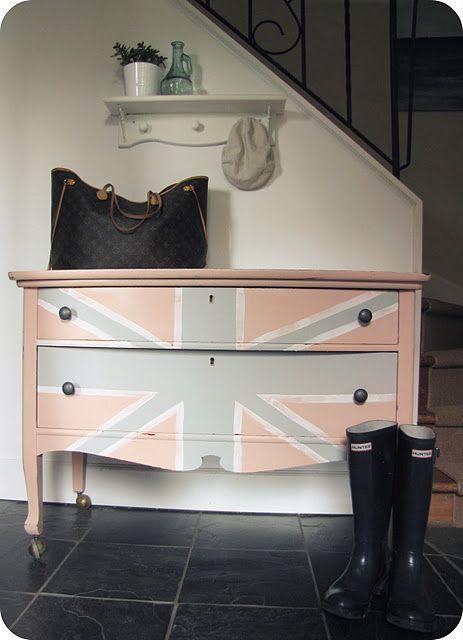 girly union jack dresser
