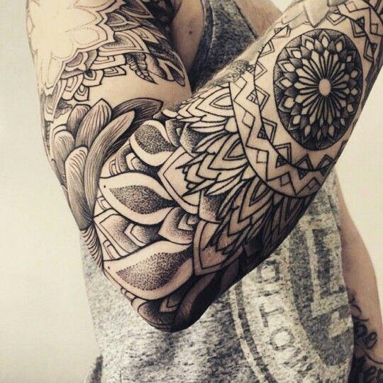 Tattoo mandala hinstzart hinstzart pinterest mandalas et tatouages - Mandala tatouage homme ...