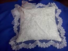 Resultado de imagen para cojines para alianzas de boda con pedreria