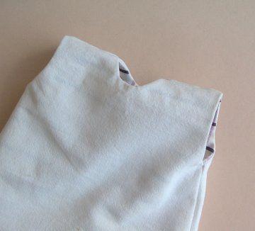 doubler une robe chasuble sans fermeture à l'arrière.