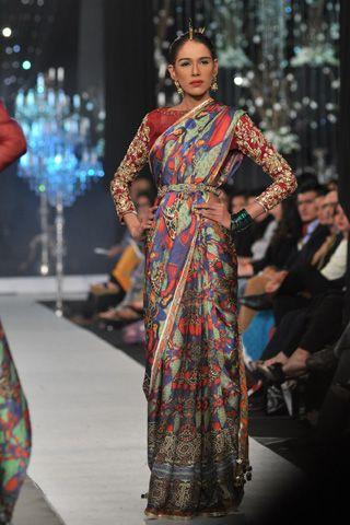 Scarlet Bindi - South Asian Fashion: PFDC L'Oreal Paris Bridal Week 2012: Day 4
