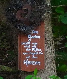 Den Garten betritt man...