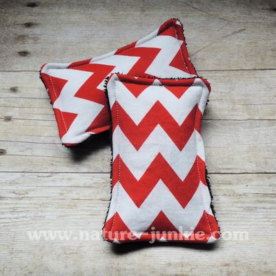 Nature Junkie Unsponges are a great #ecofriendly alternative to store bought sponges that collect bacteria and odors. - $8 #handmade #gogreen #reducereuserecycle #chevron #red