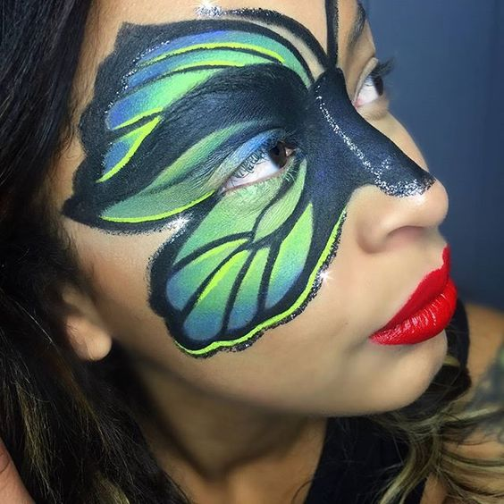 Isn't this sparkly green #butterfly #Halloween look by @makeupbybrittanym simply adorable??  Want to see how it's done and what was used?  We wish all our Mavens a wonderful Tuesday