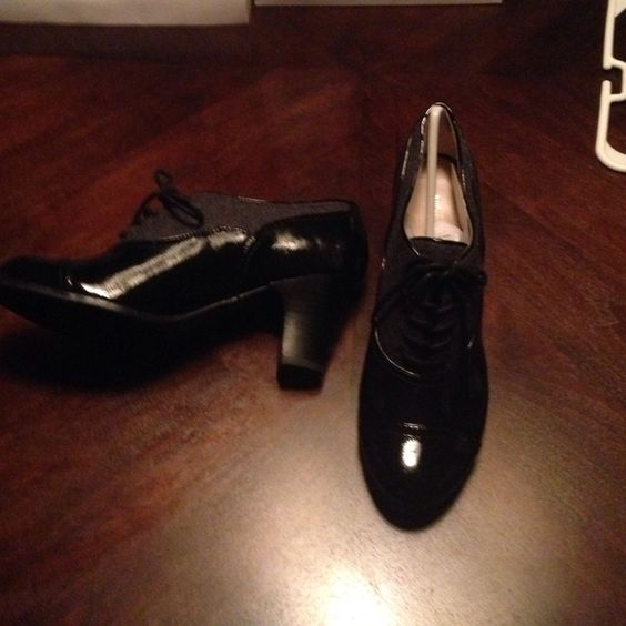 Nine West shoes Black leather with grey wool accents on top Nine West Shoes Ankle Boots & Booties