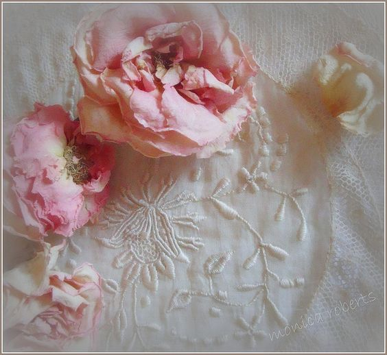 Lace & Roses