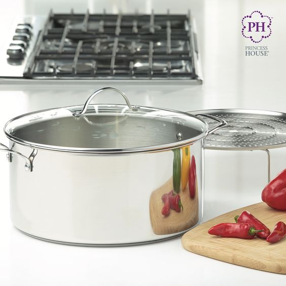 Boil, steam and simmer your favorites to your heart's content with the Princess Heritage® Stainless Steel Classic 15-Qt. Stockpot & Steaming Rack