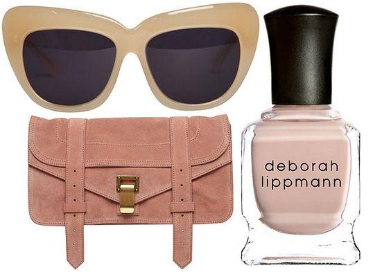 Colores neutros: favoritos de temporada, tanto en accesorios y makeup, como en prendas de vestir.