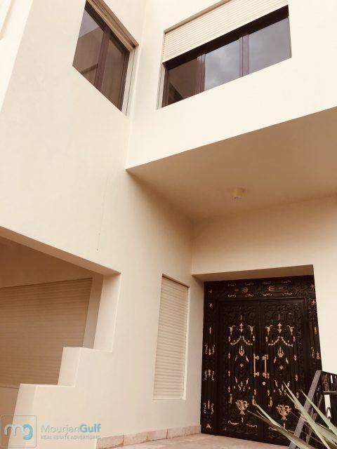 للإيجار فيلا راقية في قرطبة دورين وسرداب 7 غرف صالات حديقة غرف خدم وسائق مواقف 6 داخلية وخارجية 2700دك Ceiling Lights Home Decor Decor