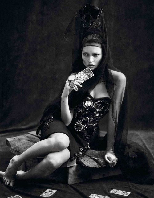 Kate Mos and Saskia De Brauw in Le Noir Partie 3 by Mert & Marcus, for Vogue Paris