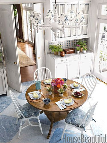 Amazing Blue and White Traditional Interior Design Ideas! #kitchen #dining #blue #traditional