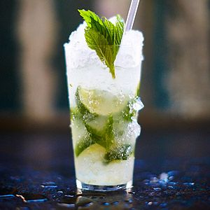 Learn how to make Mojitos with Jamie Oliver's drinks tube; Follow our step by step mojito recipe for a refreshing summer cocktail!