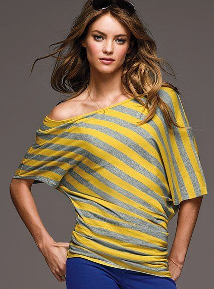 omg, I adore the gray/yellow top!