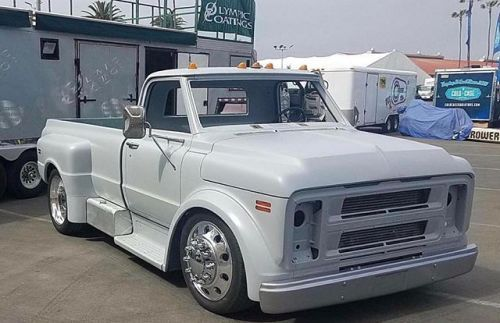 Classicscene Like The Placement Of The Gas Tanks Below The Bed Custom Trucks Chevy Trucks Chevrolet Trucks