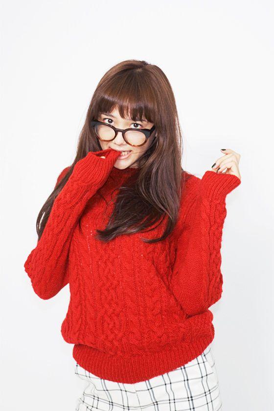 メガネをかけた松井愛莉