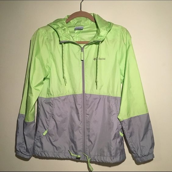 Colombia windbreaker super cute and light windbreaker, in perfect condition Columbia Jackets & Coats