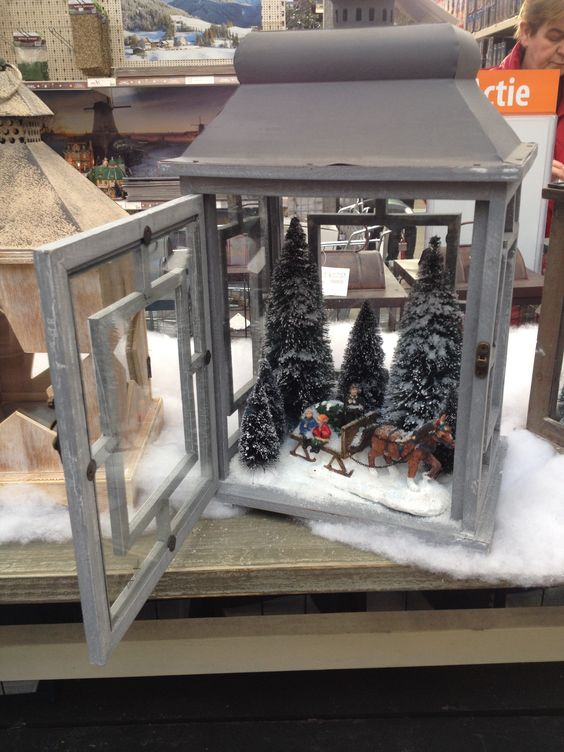 kerstsfeer in een lantaarn: