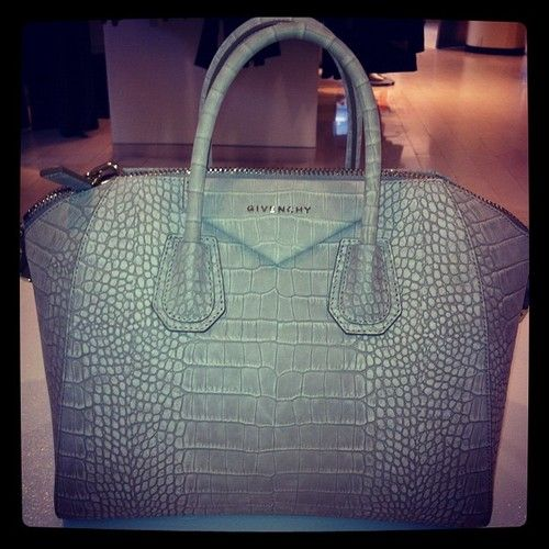 Givenchy <3: Bags Cluthes Purses Wallets, Designer Handbags, Handbags Free, Beautiful Handbags Clutches, Bags Purses Clutches