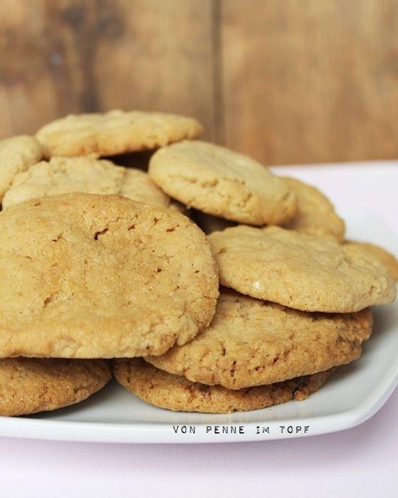 Peanutbutter-White Chocolate Chunk-Cookies