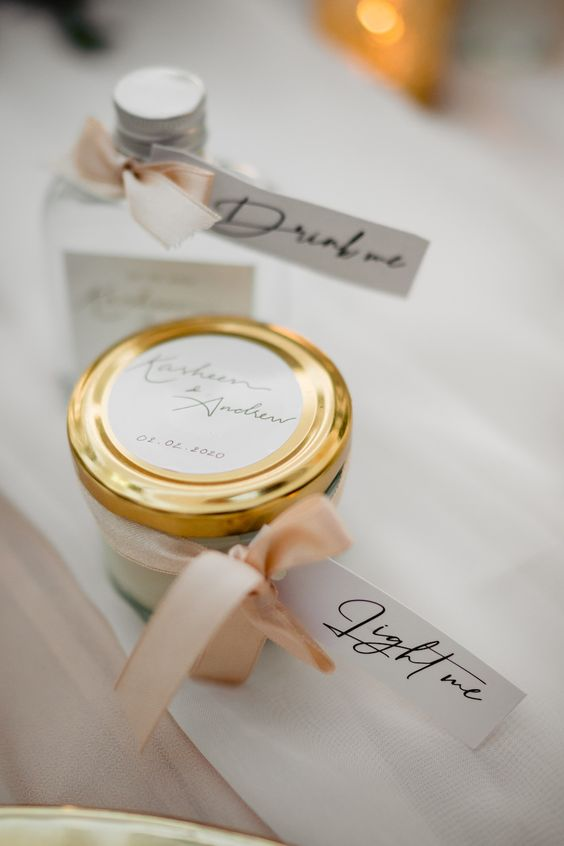 Vibrant White and Gold Wedding Decor Ideas, 9ae18fe9316ae9a00b96a5a731d30c7f
