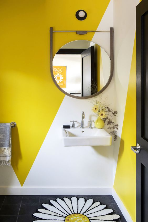 ide dekorasi kamar mandi kuning
