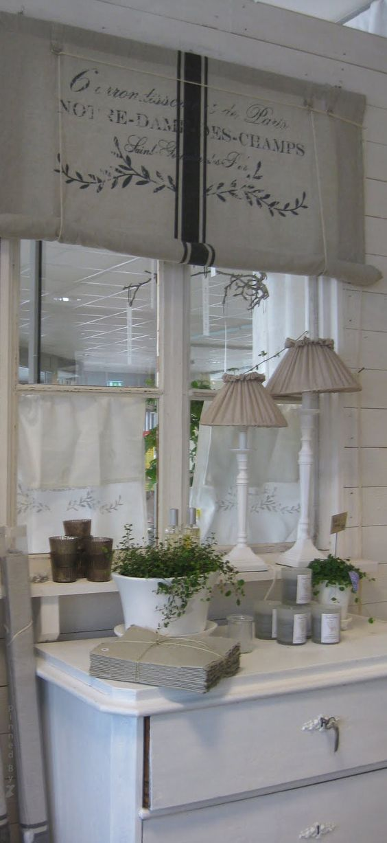 Charming Shabby Chic Windows Curtains
