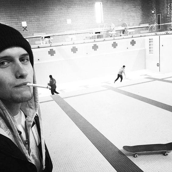 Instagram #skateboarding photo by @dillyjim - @shmengles #morganparkmiddleschool #skateboarding #coffinnails #poolskate #duluth #commonapparel. Support your local skate shop: SkateboardCity.co